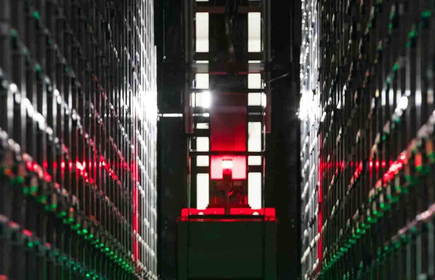 cloud data center worker